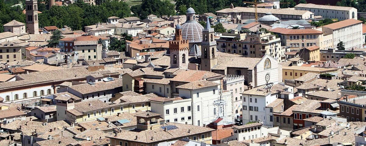 Foligno, la città dell'olio e medaglia d'argento al Valor Civile