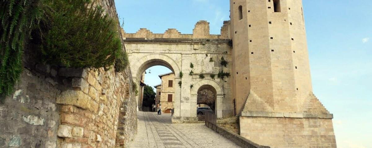 Spello: la città delle infiorate realizzate per il Corpus Domini