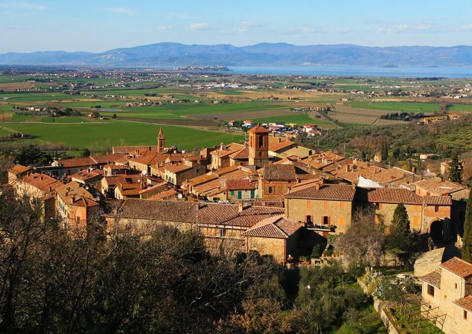 Paciano e i numerosi affreschi del Perugino e Francesco Nicolò