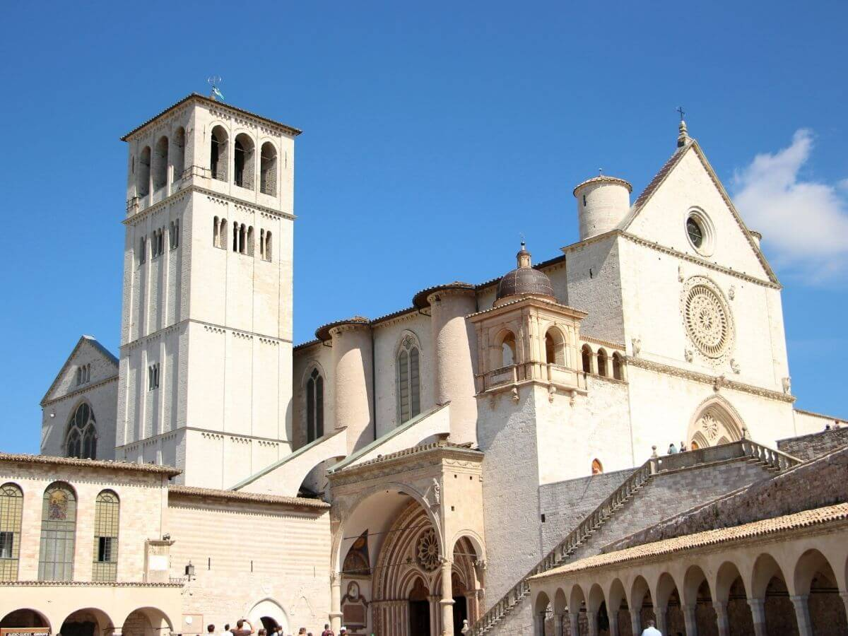 Cosa mangiare ad Assisi, i migliori prodotti e piatti tipici della gastronomia umbra